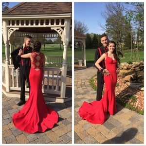 Red Sherri hill prom dress size 0-2